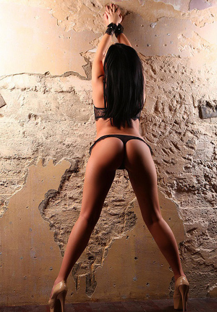 escorts in London Dominika 2_b.jpg