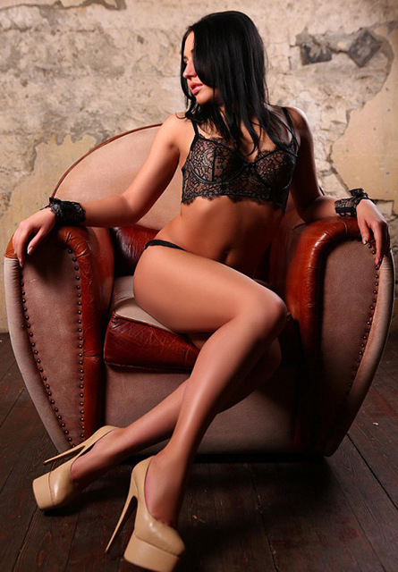 cheap escorts london Dominika 4_b.jpg