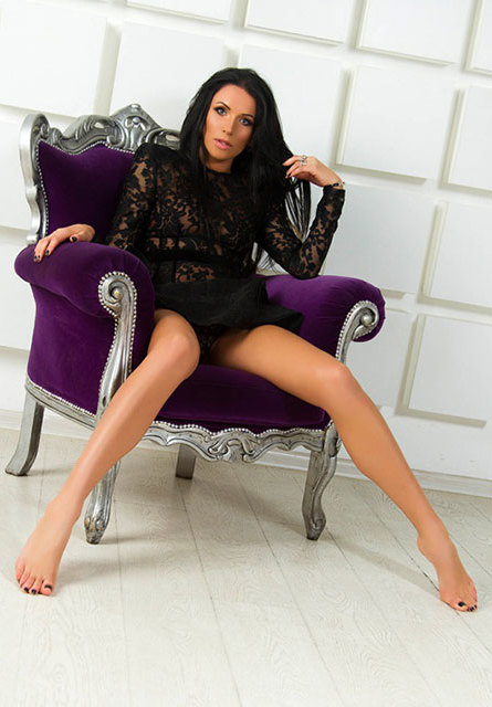 London escorts Renata 3_b.jpg